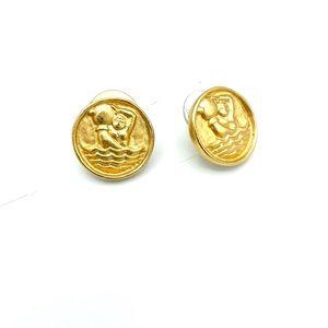 Vintage Aquarius gold tone stud earrings #C24